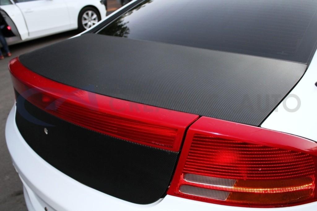 Белый мат, черный карбон HEXIS Chrysler Intrepid. Изображение 3