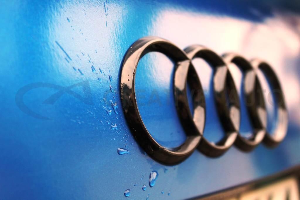Cиний глянецевый металлик Hexis Audi A4. Изображение 16