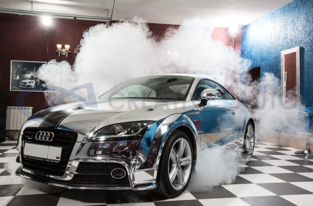 Audi TT в зеркальном хроме