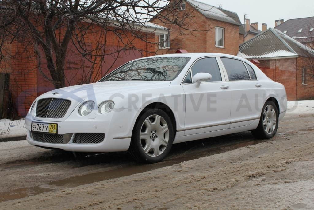 Белый глянец Bentley Continental Flying Spur. Изображение 5