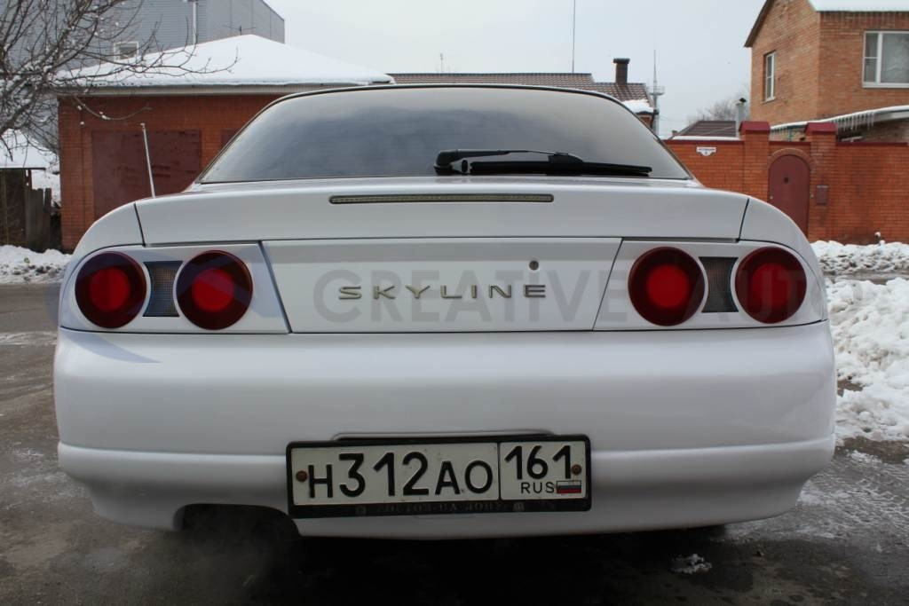 Белый и черный глянец, черный карбон Hexis Nissan Skyline. Изображение 3