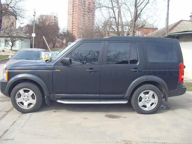 Черный мат и карбон Land Rover Discovery. Изображение 3