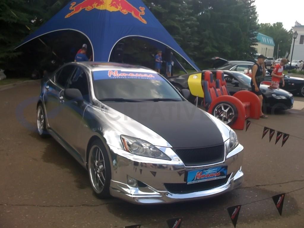 Зеркальный хром и черный мат Lexus IS250. Изображение 2