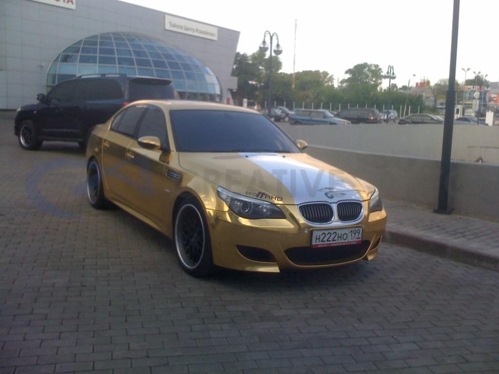 Золотой хром BMW 525. Изображение 1